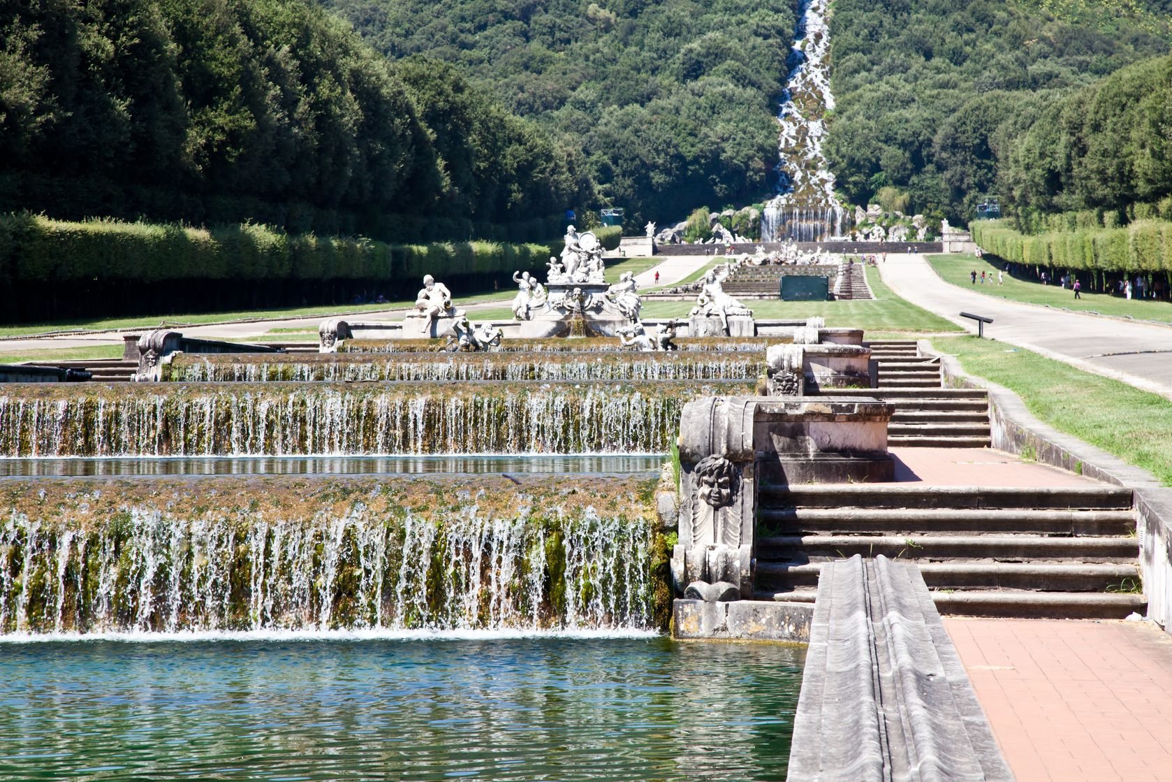 Sudalia tour unesco napoli reggia di caserta pompei e costiera amalfitana - Giardini reggia di caserta ...